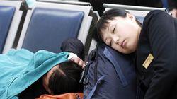 Περισσότεροι από 5.000 επιβάτες εγκλωβισμένοι εξαιτίας χιονοθύελλας στο αεροδρόμιο της πόλης Ουρούμκι στην