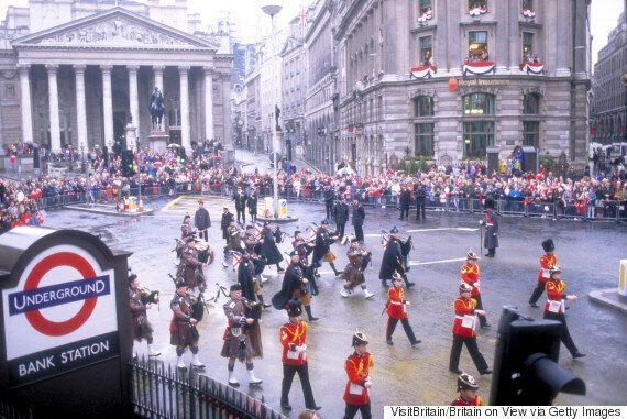 Η μυστική ανεξάρτητη Πόλη στην καρδιά του...Λονδίνου όπου ακόμη και οι βασιλείς χρειάζονται άδεια για...