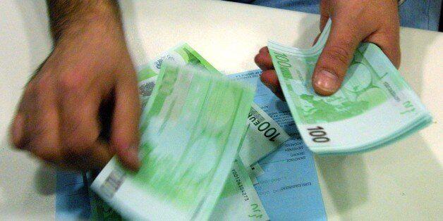Πώς θα μειώσουν οι τράπεζες τα μη εξυπηρετούμενα ανοίγματα δανείων των 108 δισ.