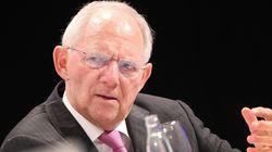 Σόιμπλε vs ΕΚΤ: Ο Γερμανός υπουργός ζητά τον περιορισμό των μέτρων νομισματικής
