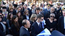 Πλήθος κόσμου αποχαιρέτησε τον Κωστή Στεφανόπουλο στο Α΄ δημοτικό κοιμητήριο της