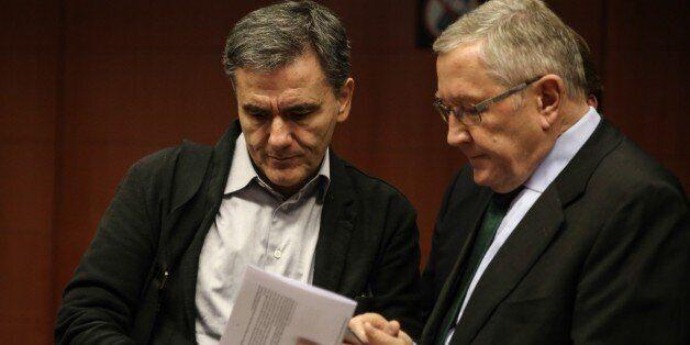 Νέο κείμενο συμφωνίας με τις υπαναχωρήσεις της κάθε πλευράς στα χέρια της κυβέρνησης από τους