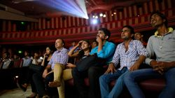 Υποχρεωτικός ο εθνικός ύμνος πριν από κάθε ταινία στους κινηματογράφους της