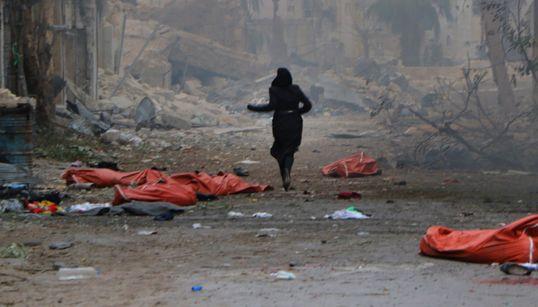 Τουλάχιστον 45 νεκροί από βομβαρδισμούς στο ανατολικό Χαλέπι. Περισσότεροι από 50.000 οι