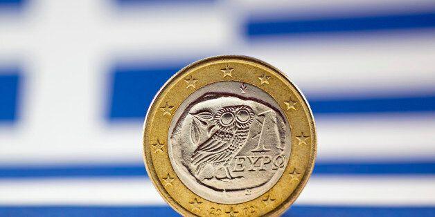 Greek 1 Euro coin, Flag of