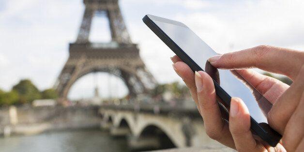8 πράγματα που έχουν αντικατασταθεί από τα smartphone στα ταξίδια και μας