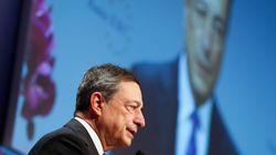 Ο Ντράγκι υπεραμύνθηκε της πολιτικής νομισματικής χαλάρωσης της ΕΚΤ (και απάντησε στον