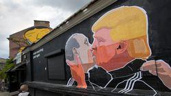 Η Ρωσία επιβεβαιώνει ότι είχε επικοινωνία με τους συνεργάτες του