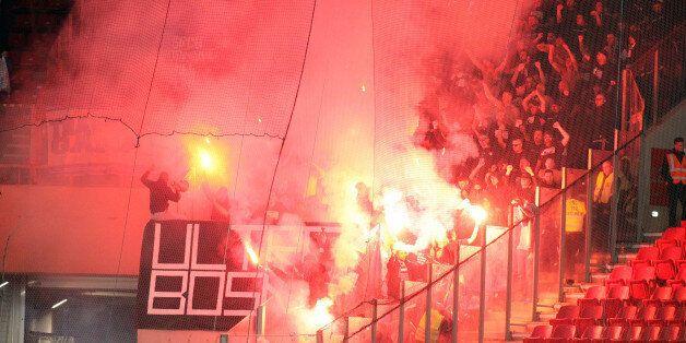 Στη Δικαιοσύνη για κάψιμο της σημαίας το άτομο που ταυτοποιήθηκε από τις αρχές στον αγώνα της Εθνικής...