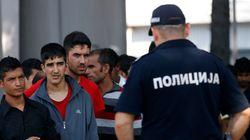 Σερβία: Συγκρούσεις μεταναστών με αστυνομικούς στα σύνορα με την