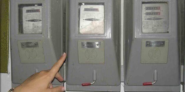 Η μεγάλη κομπίνα. Τα σημειωματάρια «έκαψαν» τον ηλεκτρολόγο που υποσχόταν 80% λιγότερη κατανάλωση