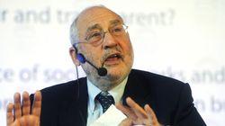 Στίγκλιτς: Η καθυστέρηση της αναδιάρθρωσης του ελληνικού χρέους έχει κόστος και για τη