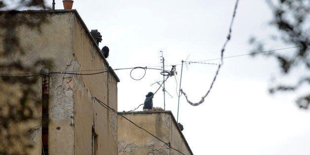 Επεισόδια μεταξύ αντιεξουσιαστών και αστυνομίας στη Λεωφόρο Αλεξάνδρας: Πετροπόλεμος κοντά στο
