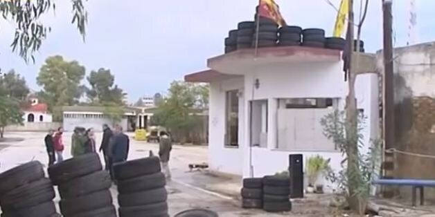 ΚΚΕ: Ακροδεξιά στοιχεία και η Χρυσή Αυγή συνεχίζουν την κατάληψη στο