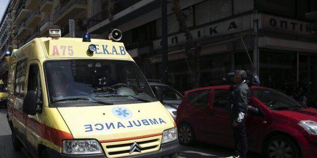 Αστυνομικός τραυματίστηκε ελαφρά μετά από επίθεση που δέχθηκε από αγνώστους στην οδό