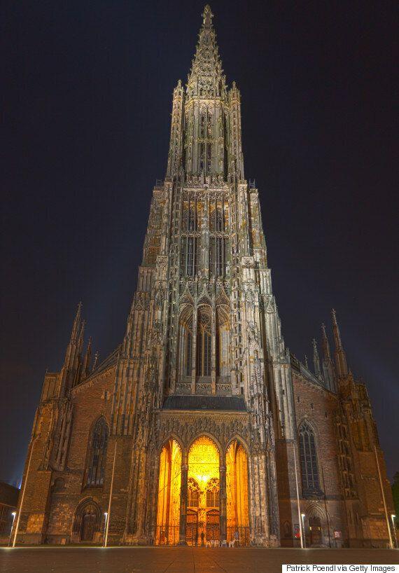 H ψηλότερη εκκλησία στον κόσμο κινδυνεύει εξαιτίας της δημόσιας ούρησης στα τείχη