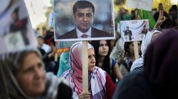 Το HDP αναστέλλει τη συμμετοχή του στο κοινοβούλιο της Τουρκίας μετά τις συλλήψεις ηγετών και βουλευτών