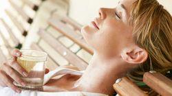 Τι θα συμβεί στο σώμα σας εάν για ένα μήνα κόψετε αναψυκτικά, καφέ, αλκοόλ και πίνετε μόνο