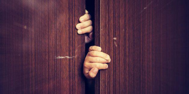 Λος Άντζελες: Κρατούσε φυλακισμένο τον γιο της σε μια ντουλάπα επί τρία χρόνια μέχρι που τελικά