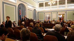 Κατά 44% θα αυξηθεί ο μισθός των Ισλανδών βουλευτών για να διασφαλιστεί η οικονομική ανεξαρτησία