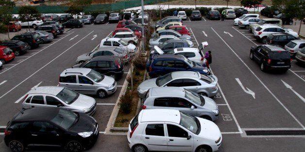ΕΛΣΤΑΤ: Αύξηση 20% στις πωλήσεις των αυτοκινήτων τον