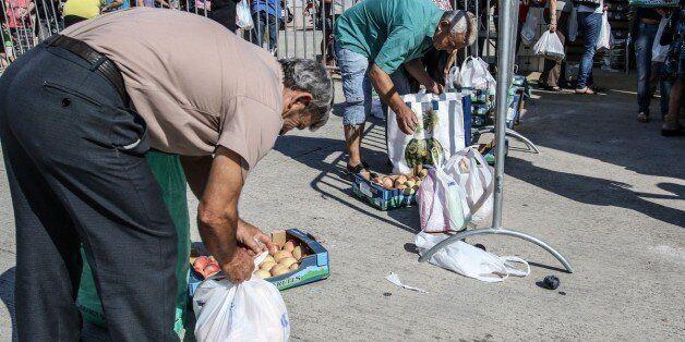Eurostat - ΕΛΣΤΑΤ: Σε κίνδυνο φτώχειας ή κοινωνικού αποκλεισμού το 35,7% των Ελλήνων το