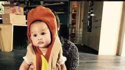 Εσείς θα ντύνατε το παιδί σας χοτ-ντογκ ή μπανάνα; H Chrissy Teigen το έκανε (και εχουμε