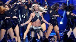 Oops! Η Britney Spears έχασε το σουτιέν της κατά τη διάρκεια