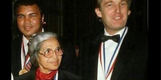 Ο Τραμπ θέλει να πιστέψουμε ότι τιμήθηκε μαζί με Αφροαμερικανούς σε τελετή για τις μεινότητες των