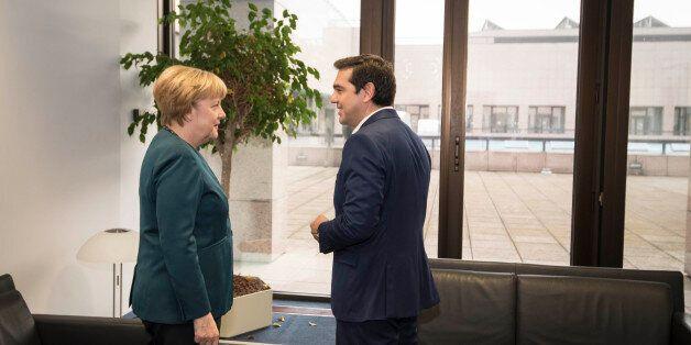 Να ενταχθεί η Ελλάδα στο πρόγραμμα ποσοτικής χαλάρωσης αλλά και να συζητηθεί το χρέος ζήτησε ο Τσίπρας...