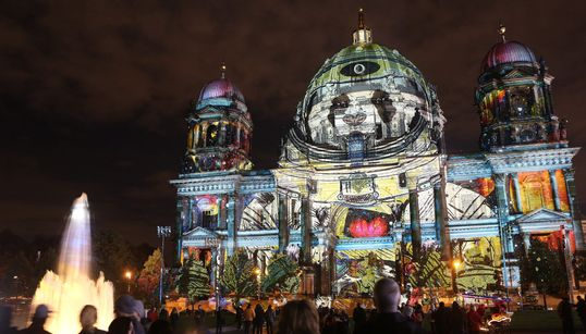 Festival of Lights 2016: Δείτε το Βερολίνο πιο φωτεινό, πολύχρωμο και εντυπωσιακό από