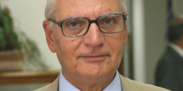 Παραίτηση από την επιτροπή για τη Συνταγματική Αναθεώρηση του επίτιμου αντιπροέδρου του ΣτΕ, Πέτρου