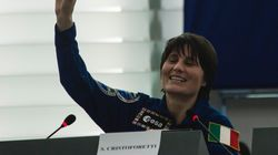 Συνέντευξη Σαμάνθα Κριστοφορέτι: «Τι χρειάζεται πρωτίστως ένας αστροναύτης; Να ξέρει να