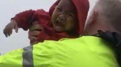 ΗΠΑ: Αστυνομικοί διασώζουν μωρό που είχε εγκλωβιστεί σε αυτοκίνητο που βυθιζόταν στο