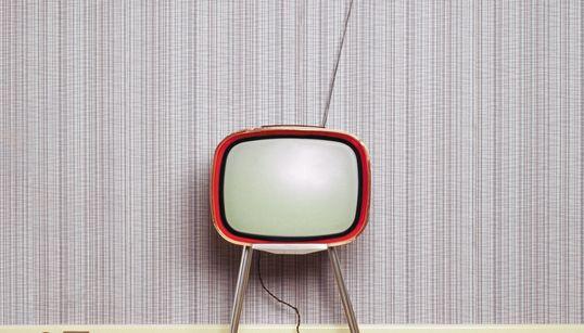 Ποιες σειρές θέλουμε να επιστρέψουν στην τηλεόραση; 8 συντάκτες της HuffPost Greece