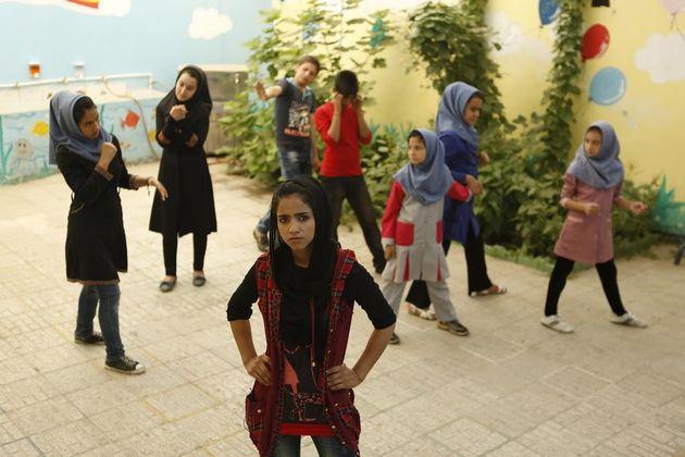 Sonita: Η συγκλονιστική ιστορία της 18χρονης Αφγανής ράπερ που καταδικάζει με στίχους τους καταπιεστές