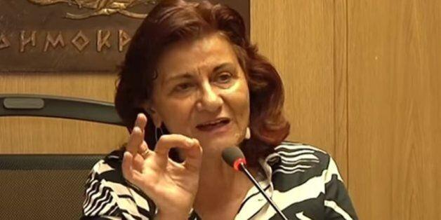 Θεανώ Φωτίου: Αμόρφωτοι και τεμπέληδες οι δημόσιοι υπάλληλοι - Με στάση εργασίας απαντούν οι