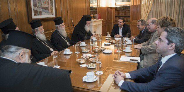 Η συνάντηση Τσίπρα με Αρχιεπίσκοπο έφερε τη λύση για τα θρησκευτικά. Θα συνεχιστεί ο διάλογος πολιτείας...