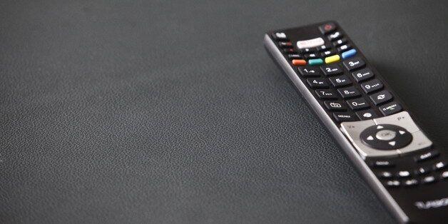 Λήξη προθεσμίας για την καταβολή της πρώτης δόσης για τις τηλεοπτικές άδειες. Πλήρωσε ο Θοδωρής