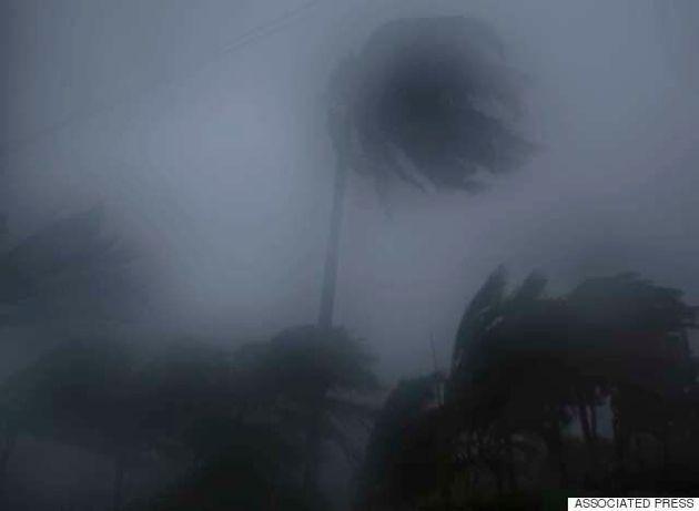 Ο φονικός τυφώνας Μάθιου σάρωσε την Αϊτή και απειλεί τις