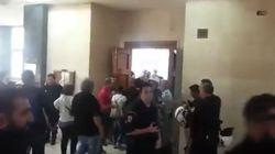Επέμβαση ΜΑΤ στα δικαστήρια Θεσσαλονίκης κατά πολιτών που διαμαρτύρονταν για πλειστηριασμό πρώτης
