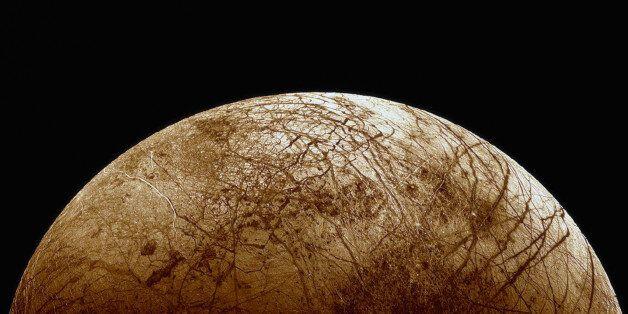 NASA: Εντοπίστηκαν πίδακες υδρατμών σε φεγγάρι του