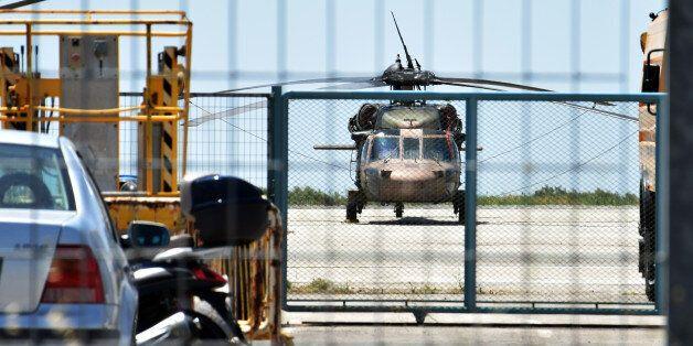 Απέρριψαν την αίτηση ασύλου για έναν εκ των 8 Τούρκων στρατιωτικών που κατέφυγαν στην Ελλάδα. Τι λέει...