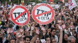 Οι υπουργοί Εμπορίου της ΕΕ καθυστερούν τις διαπραγματεύσεις για την ΤΤΙΡ. Αναστολή ζητά ο