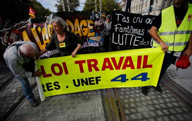 Γαλλία: Νέες κινητοποιήσεις και ταραχές ενάντια στη μεταρρύθμιση της αγοράς