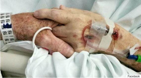 Ζευγάρι ηλικιωμένων πέθαναν με λίγες ώρες διαφορά κρατώντας ο ένας το χέρι του