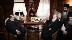 «Ιερός» πόλεμος κυβέρνησης και εκκλησίας για το μάθημα των