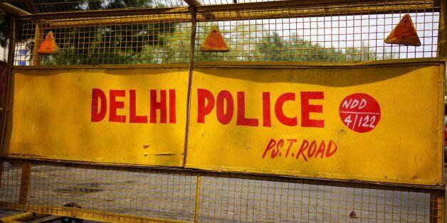 Οργή με την δολοφονία 22χρονης Ινδής σε κεντρικό δρόμο του Δελχί. Την μαχαίρωσε 20 φορές