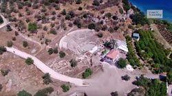 Γνωρίζατε ότι υπάρχει στην Ελλάδα μικρογραφία του Θεάτρου της Επιδαύρου δίπλα σε βυθισμένη