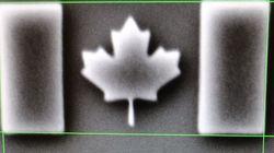 Νέο ρεκόρ Γκίνες για τη μικρότερη στον κόσμο σημαία, που έχει μήκος μόλις 1,8 εκατομμυριοστά του